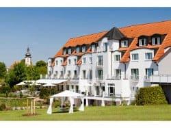 Lanhotel Rügheim Wiese